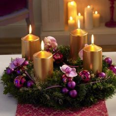 36 Totally Adorable Gold Christmas Centerpieces Ideas - About-Ruth Christmas Candle Centerpieces, Advent Candles, Christmas Arrangements, Handmade Christmas Decorations, Christmas Candles, Floral Arrangements, Purple Christmas Tree, Christmas Time, Christmas Wreaths