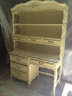 French Provincial Desk And Hutch Want This Style