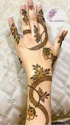 Khafif Mehndi Design, Floral Henna Designs, Latest Bridal Mehndi Designs, Henna Designs Feet, Modern Henna Designs, Henna Tattoo Designs Simple, Finger Henna Designs, Arabic Henna Designs, Mehndi Designs For Girls
