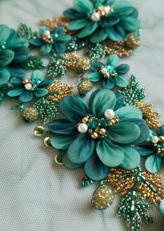 Wonderful Ribbon Embroidery Flowers by Hand Ideas. Enchanting Ribbon Embroidery Flowers by Hand Ideas. Pearl Embroidery, Hand Embroidery Dress, Couture Embroidery, Bead Embroidery Jewelry, Silk Ribbon Embroidery, Embroidery With Beads, Bead Embroidery Tutorial, Bead Embroidery Patterns, Hand Embroidery Designs