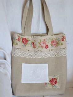 Best 11 Items similar to GORGEOUS Shabby Chic Handmade cotton canvas and Cath Kidston Bag on Etsy – SkillOfKing. Sacs Tote Bags, Diy Tote Bag, Burlap Bags, Jute Bags, Art Bag, Boho Bags, Linen Bag, Patchwork Bags, Bag Patterns To Sew