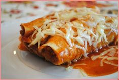 Living With Imperfection: Quick Turkey Enchiladas Cheesy Enchiladas, Turkey Enchiladas, Vegetarian Enchiladas, Homemade Enchiladas, Vegetarian Meal, Chicken Enchiladas, Yummy Snacks, Healthy Snacks, Healthy Recipes