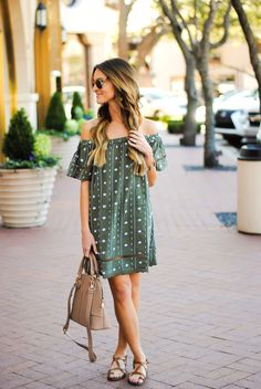 lauren kay sims wearing topshop off the shoulder dress