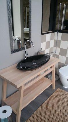 solid wood bathroom furniture at Prisma Bagno showroom