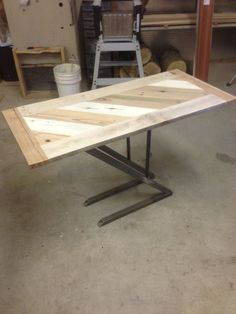 Picture of How to : Steel and Pallet Table / Reuse Refuse