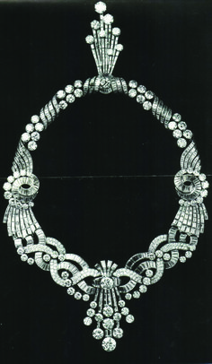 A year before his wedding to Queen Nariman, King Farouk ordered a parure from Boucheron. The parure consisted of a necklace, a brooch and earrings made of sapphire, topaz and diamonds. Its cost at that time came up to 5.7 million francs. Queen Nariman wore the parure on her wedding day along with a tiara.It's not known where the parure and the tiara are now!