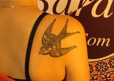 #tattoo #tattooartist #ink #inked #blackandwhite #black #blacktattoo #bird #swallow #studio #bardo #studiobardo