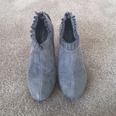 🎉HP🎉🎉ALDO grey suede ankle booties 38 only worn once, a little bit discoloration refer to 3rd pic, size 7/EU38, ❌NO TRADE‼️ ALDO Shoes Ankle Boots & Booties