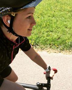 #bikepunk #bikepunkracingteam #cinelli #mavic #radrace #aventon #polar #polarm400 #fixedgear #girlswhoride #fixiegirls #cycling #sport #fitness #fitgirl #girl #rostock #sundshine #happy #enjoy #smile by madlin_bikepunk