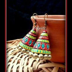 Very colorful n pretty jhumkas Ceramic Jewelry, Clay Jewelry, Jewelry Crafts, Jewelry Art, Handmade Jewelry, Jewelry Design, Teracotta Jewellery, African Pottery, Terracotta Jewellery Designs