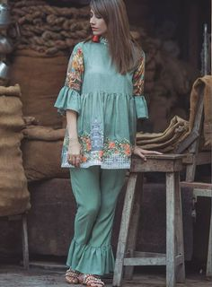 Cross Stitch Verdant alcove is part of Pakistani dress design - Stylish Dresses For Girls, Stylish Dress Designs, Casual Dresses, Simple Pakistani Dresses, Pakistani Dress Design, Pakistani Fashion Party Wear, Pakistani Outfits, Frock Fashion, Fashion Dresses