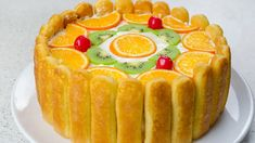 Tort diplomat – reteta video via Torte Cake, Romanian Food, Yummy Cakes, Bakery, Good Food, Goodies, Easy Meals, Food And Drink, Cooking Recipes