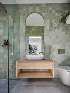 Design Room, Home Design, Layout Design, Bad Inspiration, Bathroom Inspiration, Green Rooms, Walk In Shower, Small Bathroom, Zebra Bathroom