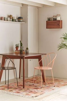 Tinka Mid-Century Modern Dining Table