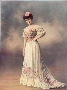 Fashion plate 1905.  This illustrates well the excess decoration that was popular in this decade.