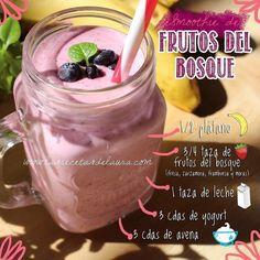 Un smoothie super delicioso para empezar bien la semana! Solo necesitas: 1/2 platano 3/4 frutos del bosque 1 taza de leche 3 cucharadas de yogurt 3 cucharadas de avena A la licuadora y a disfrutar! #desayuno #desayunos #desayunosaludable #salud #dieta #frutas #wellness #yummy #smoothie #licuados #ideasparadesayunar