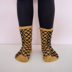 My Socks, High Socks, Knitting, Crochet, Fashion, Moda, Tricot, Fashion Styles, Stockings