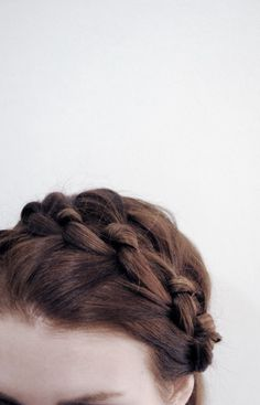 leia organa, Star Wars, a new hope, empire strikes back, return of the jedi aesthetic Great Comet Of 1812, The Great Comet, Milkmaid Braid, Knotted Braid, Braided Crown, Braided Headbands, Teen Tv, Crystal Reed, Hair Knot