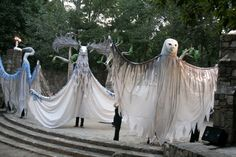 Paperhand Puppet Intervention at The Forest Theatre in Chapel Hill. Bird Puppet, Stilt Costume, Puppet Costume, Ocean Projects, Sphinx, Halloween Karneval, Master Of Puppets, Puppet Making, Masks Art