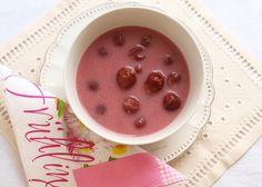 Notburga konyhája: Hideg meggyleves/Kalte Sauerkirschsuppe Pudding, Desserts, Food, Cherries, Cold, Rezepte, Tailgate Desserts, Deserts, Essen