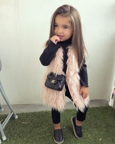 Chronic Dress - Kinder☺️ - Best Picture For toddler girl outfits sneakers For Cute Kids Fashion, Little Girl Fashion, Toddler Fashion, Toddler Girl Style, Toddler Girl Outfits, Baby Outfits, Cute Little Girls Outfits, Cute Baby Clothes, Kid Outfits