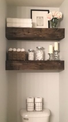 Rangement en bois pour WC encastré