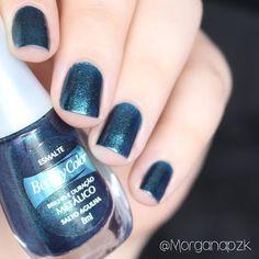 Esmalte Salto Agulha da Beauty Color. #Green #Nails #Unhas #Glitter #Verde #NailPolish #NailsDesign By @morganapzk