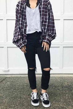 Newest Flannel Fall Outfits picture 1 Outfits 2019 flannel 33 Flannel Fall Outfits: Style Tips How to Wear Your Favorite Shirt Source by flannel outfits Casual Fall Outfits, Summer Outfits, Cute Flannel Outfits, Edgy School Outfits, Back To School Outfits For College, Trendy Outfits For Teens, Hipster Fall Outfits, Cute Edgy Outfits, College Girls