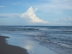 Ynusual clouds and one awesome beach. Cindy Vance