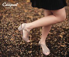 Esta sandália tem um detalhe extra para o seu conforto: o elástico superior, que dá o ajuste perfeito ao pé. Experimente!