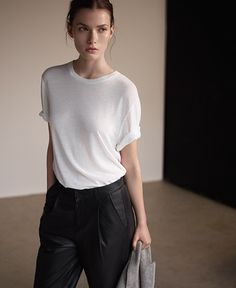 Freda Slub-jersey T-shirt Minimal Chic, Minimal Fashion, Love Fashion, Fashion Outfits, Womens Fashion, Fashion Guide, Tomboy Fashion, Mode Lookbook, Vogue