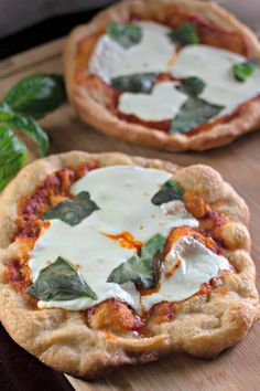 Deep Fried Pizza, Italian Street Food, Fresh Mozzarella, Recipe For Mom, Fresh Basil, Pizza Recipes, Napoleon, Quick Meals, Vegetable Pizza