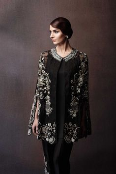 Latest Pakistani Cape style dresses collection includes top designer capes for formal, party wear and weddings. Pakistani Fashion Party Wear, Pakistani Wedding Outfits, Pakistani Dress Design, Pakistani Dresses, Indian Dresses, Indian Outfits, Pakistani Clothing, Wedding Hijab, Wedding Wear