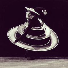 Oskar #Schlemmer's #Triadic #Ballet, 1927