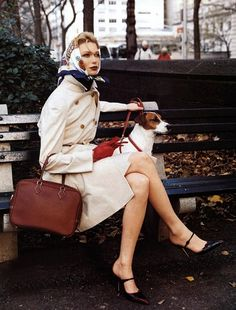 classic, hermes scarf, photo by patrick demarchelier. I like this look, minus the doggie in the city. No dogs in city please. Fashion Week, 90s Fashion, Winter Fashion, Vintage Fashion, Fashion Outfits, Style Fashion, Fashion Scarves, Classic Fashion, Classic Beauty
