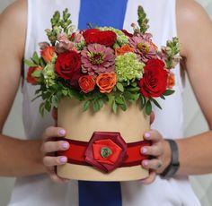 Сказка #букеткиевдоставка #зказатьбукеткиев #коробкасцветами #корзинасцветами #подарки #цветывподарок #цветывкоробке #букет