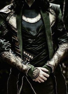 Loki Marvel, Loki Thor, Tom Hiddleston Loki, Marvel Comics, Marvel Actors, Loki Aesthetic, Slytherin Aesthetic, Character Aesthetic, Loki Laufeyson