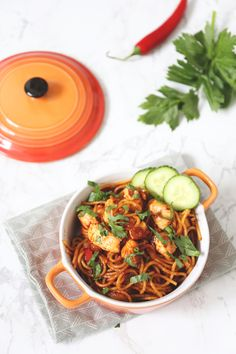 E-mail - Jan Bijker - Outlook Asian Recipes, Healthy Recipes, Ethnic Recipes, Macaroni Spaghetti, Good Food, Yummy Food, Food Crush, Wok, Zucchini