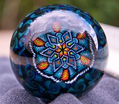 Rose Roads & Josh Sable ~ Emerald Supremacy Marble Crafts, Marble Ball, Art Of Glass, Glass Marbles, Glass Ceramic, Glass Paperweights, Glass Ball, Antique Glass, Glass Collection
