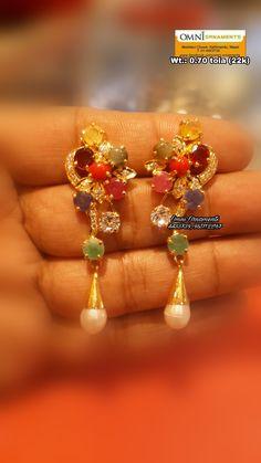 Gold Jhumka Earrings, Indian Jewelry Earrings, Indian Jewelry Sets, Jewelry Design Earrings, Indian Wedding Jewelry, Gold Jewellery Design, Unique Earrings, Beaded Jewelry, Gold Jewelry