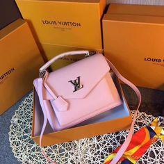 Vuitton Bag, Louis Vuitton Handbags, Purses And Handbags, Prada Handbags, Handbags Online, Luxury Purses, Luxury Bags, Sac Moschino, Fashion Handbags
