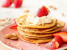 Mandel-Pancakes mit Frischkäse