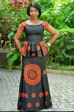 4 Factors to Consider when Shopping for African Fashion – Designer Fashion Tips Latest African Fashion Dresses, African Dresses For Women, African Print Dresses, African Print Fashion, Africa Fashion, African Attire, African Women, Ankara Rock, Chitenge Outfits
