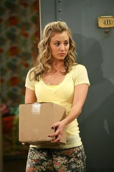 How Kaley Cuoco Bypassed the Awkward Stages in Growing Out Her Hair – Celebrities Woman Kaley Cuoco Gif, Kaley Cuoco Body, Big Bang Theory Penny, The Big Theory, Melissa Rauch, Blonde Actresses, Actors & Actresses, Female Actresses, Kaley Cucuo