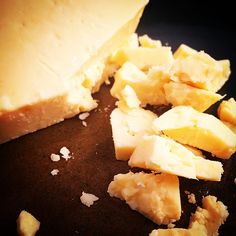 I've tried a lot of different kinds of cheese over these past few weeks, but this one was my absolute favourite: Natural Pastures Aged Farmhouse. It's crumbly, aged, and has a wonderful salty finish. Canadian Cheese, Kinds Of Cheese, Cheesy Recipes, How To Make Cheese, Simple Pleasures, Dory, Cooking Recipes, Yummy Food, Treats