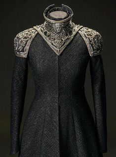 """Cersei Lannister + Costume Details by Michele Clapton """"She's been quite extravagant."""" Clapton comments on Cersei's outfits this season, which incorporated a lot of spikes. For the stand-out dragonpit. Game Of Thrones Dress, Game Of Thrones Clothing, Fantasy Dress, Character Outfits, Costume Design, The Dress, High Fashion, Cool Outfits, Gowns"""