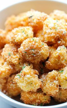 Parmesan Cauliflower Bites by damndelicious: Use the Parmesan Puffs instead of bread crumbs. Crisp, crunchy cauliflower bites that even the pickiest of eaters will love. Perfect as an appetizer or snack Vegetable Recipes, Vegetarian Recipes, Cooking Recipes, Healthy Recipes, Vegetarian Dinners, Cooking Food, Delicious Recipes, Vegetarian Sandwiches, Appetizer Recipes