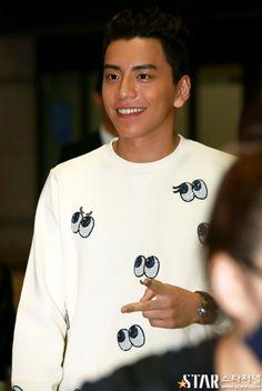 Darren Wang, Male Hairstyles, Man Candy, Marshmallows, Asian Men, Handsome Boys, Taiwan, Wolf, Celebrity