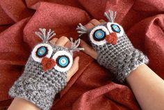 Crochet Owl Fingerless Gloves Wrist Warmers with Teal felt, Vintage button Eyes and Soft Heather Gray Acrylic Yarn