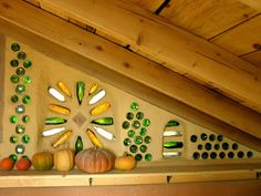 Cheap, original and beautiful idea: Incorporate Bottles in the Construction of your Cafophone! - BE Decoration Cob Building, Green Building, Building A House, Earthship Home, Mud House, Bottle Trees, Welcome To My House, Bottle Wall, Mosaic Wall Art